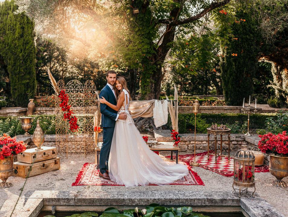 Mariage décoration orientale rouge et doré