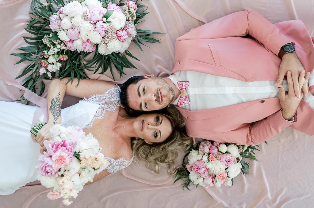 mariage en rose, orange pale et blanc